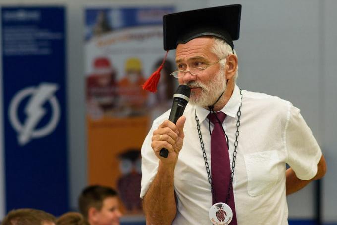 Dr. Orosz László