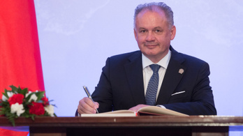 A szlovák elnök megvétózta a magyar himnusz éneklését büntető törvényt