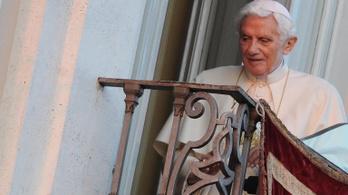 XVI. Benedek nyílt levélben közölte, miért molesztálnak gyerekeket papok