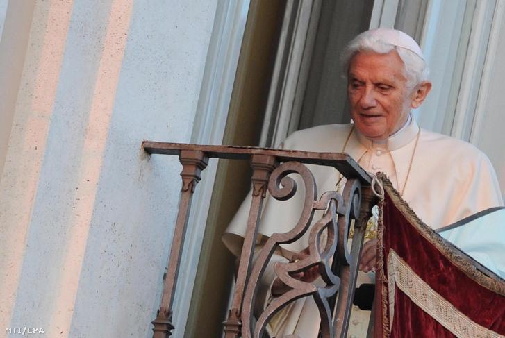 XVI. Benedek pápa 2013. február 28-án.
