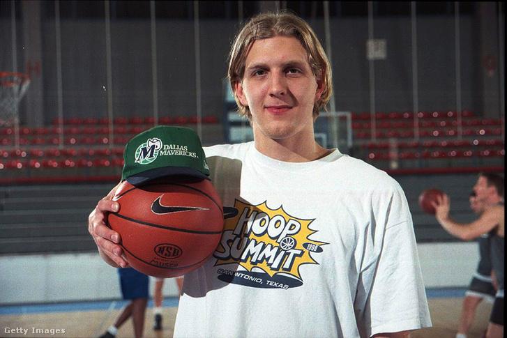 Dirk Nowitzki 1998. november 27-én