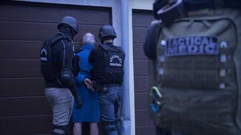 Egy szállodahajót is zár alá vett a rendőrség Budapesten egy milliárdos pénzmosási ügy miatt