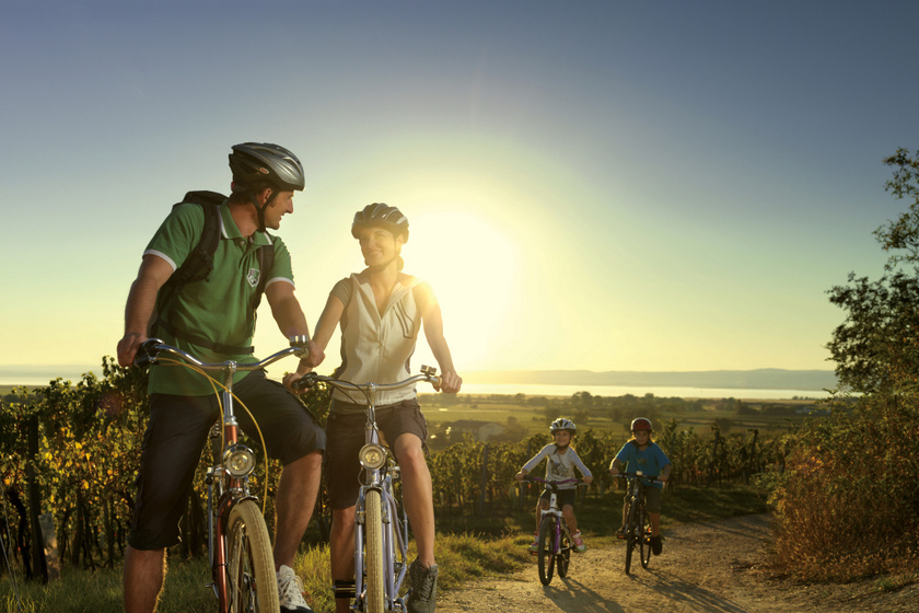 Kerékpárral Burgenlandban  Copyright Burgenland Tourismus Peter