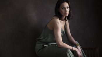 Negyven évnél idősebb magyar nőknek indult modellügynökség