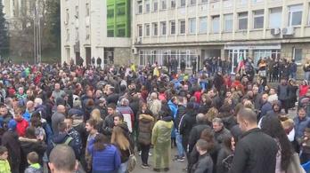 Romaellenes tüntetések voltak a bolgár Manchesterben
