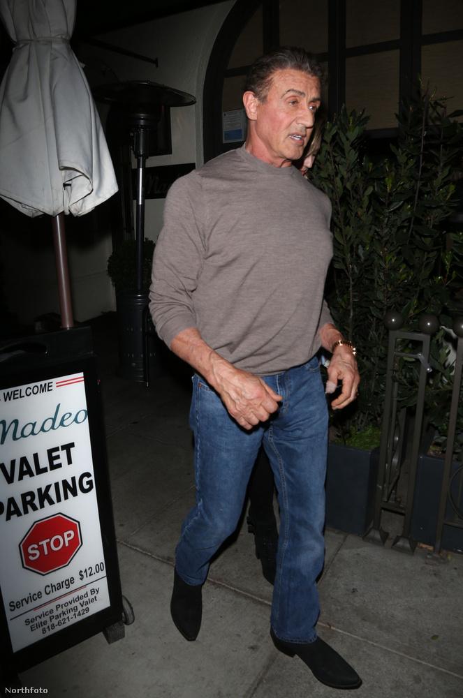 A színész alig tett pár lépést az étterem bejárata és a kocsija közötti úton, egyből megállították.