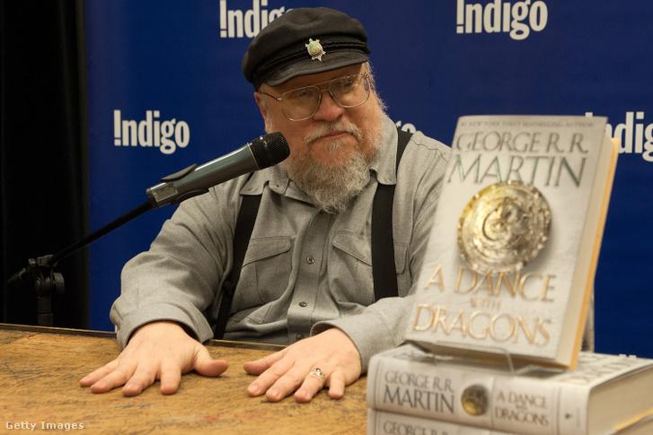 George R.R. Martin, a Sárkányok tánca című könyvének dedikálásán Torontóban 2012. március 13-án.