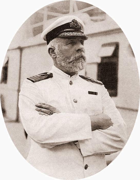 A kapitány, E.J. Smith.