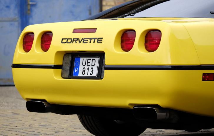 Aki esetleg nem ismerné meg, hogy ez egy Corvette, annak óriási betűkkel ráírták