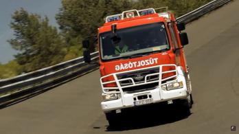 A többnyire magyar tűzoltóautó