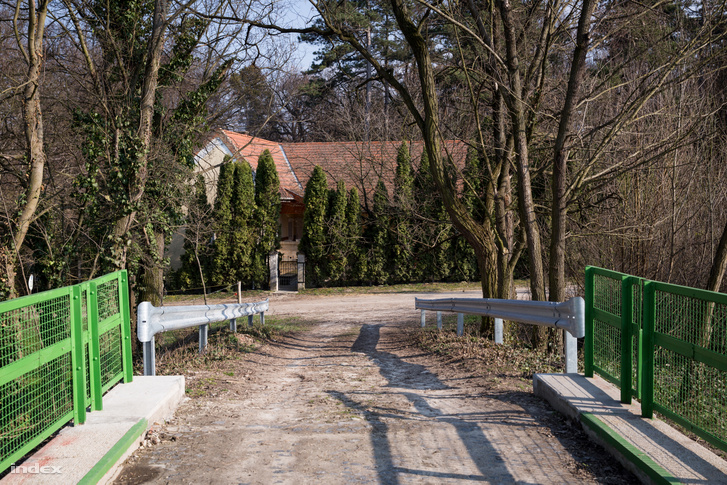 Az Alcsútdobozi Arborétum a Vál-Völgyi kisvasút egyik végállomásán