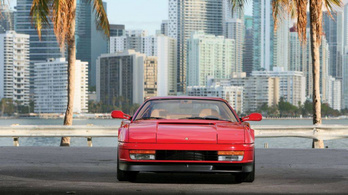 Visszatér a Ferrari Testarossa?