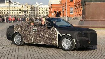 Kabriót csinálnak a Putyin-limóból