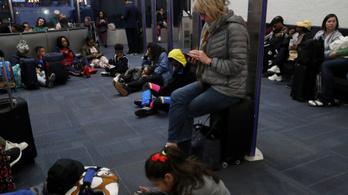 Félezer légi járatot töröltek az USA-ban a durva viharok miatt