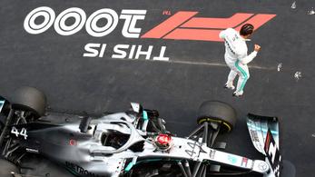Hamilton jó rajttal húzta be az 1000. F1-futamot Kínában