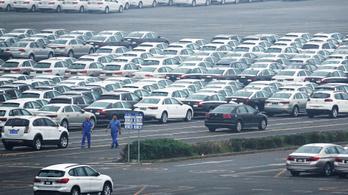 Kínában vége a jóvilágnak: tizedik hónapja csökkennek az autóeladások