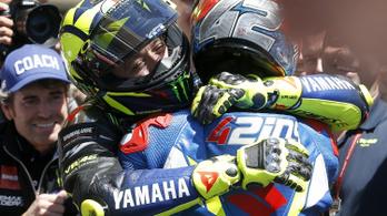 17 évvel fiatalabb motoros verte Rossit nagy finisben