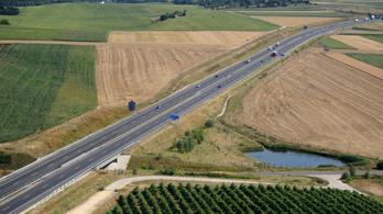 Teljes útzár volt az M7-es autópályán Budapest felé