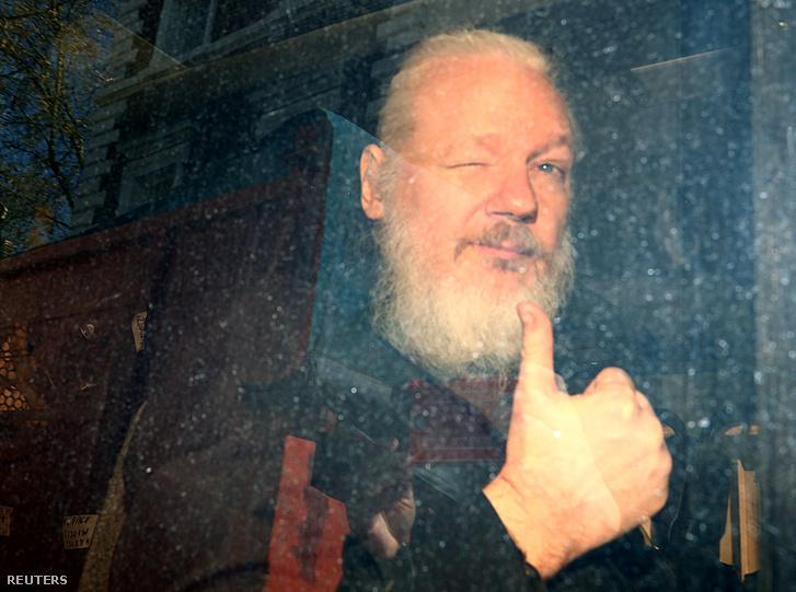 Julian Assange letartóztatása után Londonban 2019. április 11-én