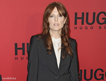 Julianne Moore a berlini divathéten