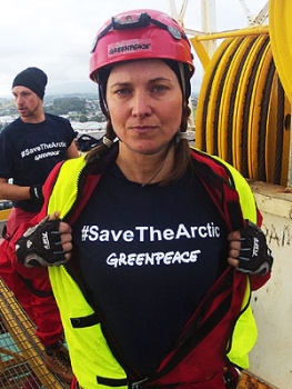 lucy-lawless-xena-greenpeace-arctic