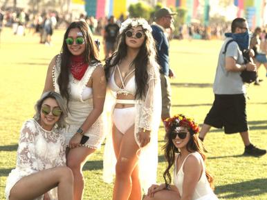 Megint fehérneműkben fesztiváloztak az emberek a Coachellán