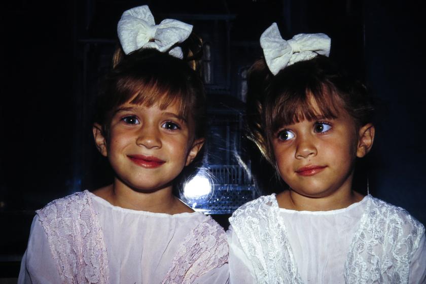 Mary-Kate arca szétesett a plasztikától - Az Olsen ikrek így néznek ki manapság