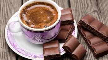 Csokit vagy kávét kell szagolni, ha le akar szokni a dohányzásról
