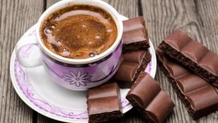 Csokoládét vagy kávét kell szagolni, ha le akar szokni a dohányzásról