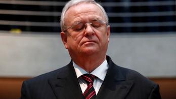 Dízelbotrány: vádat emeltek a Volkswagen-csoport volt vezetője ellen