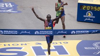 Elképesztő sprinttel dőlt el a Boston Marathon