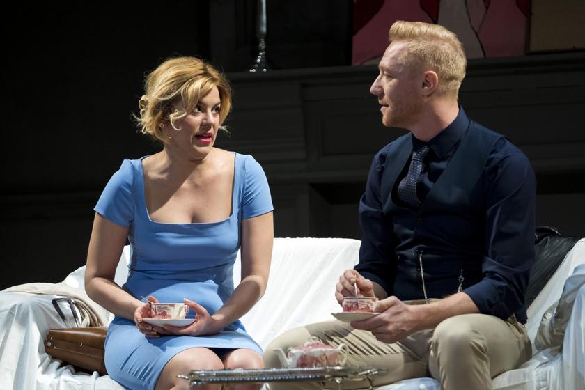 Bata Éva Kitty és Bereczki Zoltán Tim szerepében Nina Raine Nemek és igenek című darabjában a Centrál Színházban.