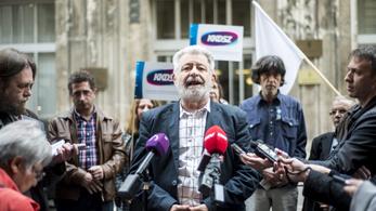 Bírósághoz fordulnak a közszolgálati szakszervezetek, készül a sztrájk