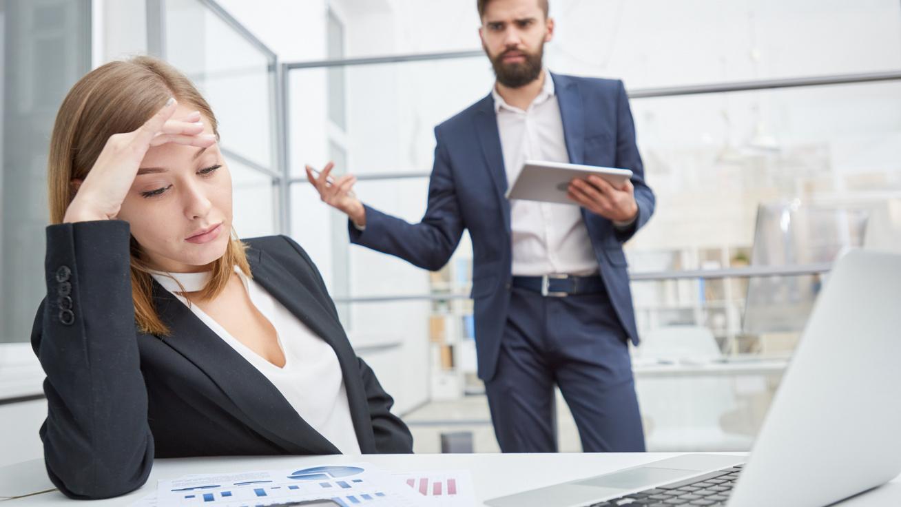 4 gyakori mondat, amivel a mérgező főnök manipulálja a beosztottjait: ne hagyd, hogy hassanak rád