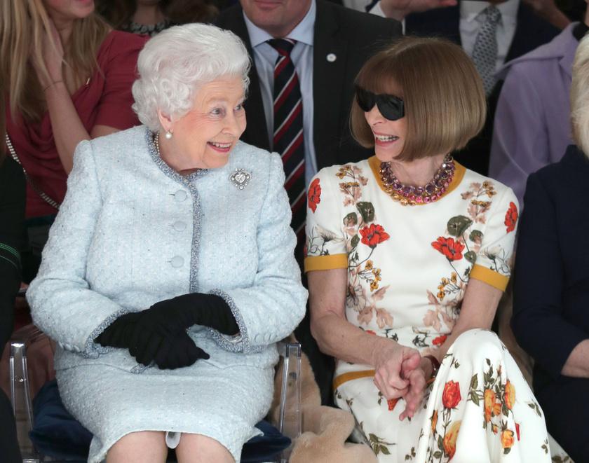 Rajong a királyi családért.