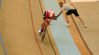 Óriásit javítottak az egyórás kerékpározás világrekordján