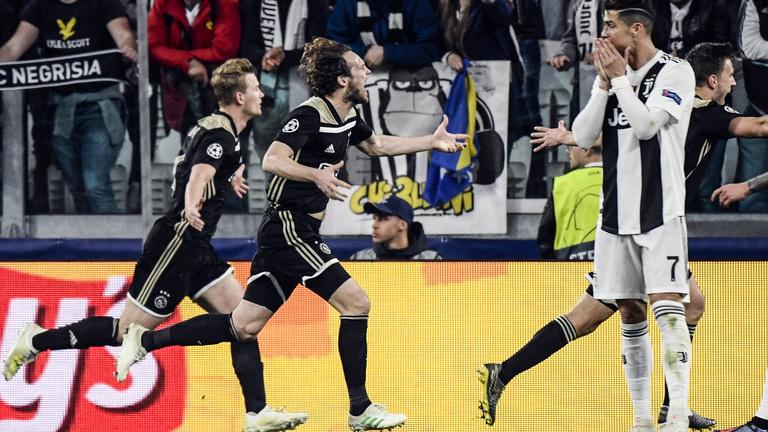 A Real után a Juvét is kiütötte az Ajax, Messi elintézte a Unitedet