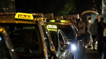 Lelépett a Balaton Sound-vendég telefonjával a sittes taxis