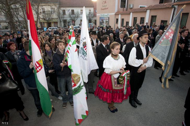 A Széchenyi és Kossuth Emléktábla koszorúzása Lendván, az 1848-49-es forradalom és szabadságharc évfordulóján 2012. március 15-én