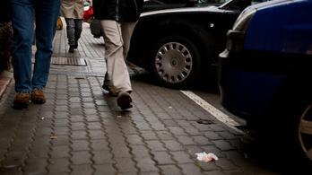 Megüthetik a bokájukat a IX. kerületi parkoláson marakodó, fideszes politikusokhoz köthető cégek