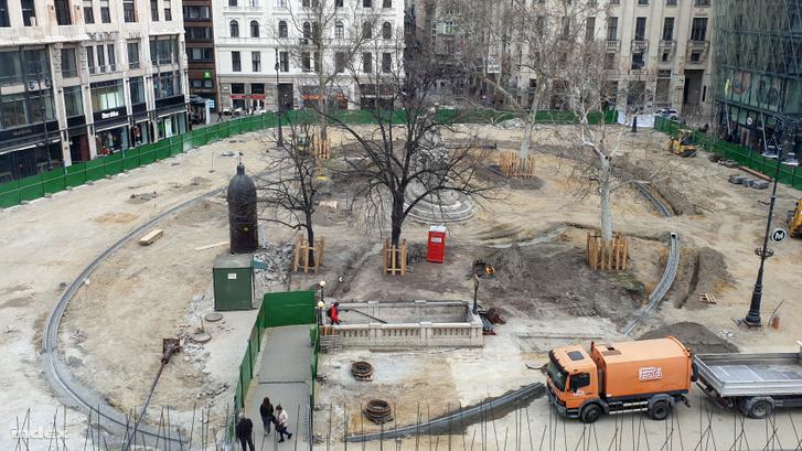 Vörösmarty tér felújítás közben 2019. március 25-én