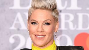 Pink fogta magát és lemosta a saját csillagát a Hollywoodi hírességek sétányán