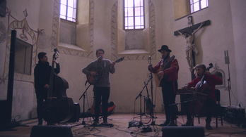 A ljubljanai várkápolnában koncertezett a Papaver Cousins