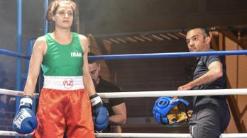 Elfogatóparancsot adott ki a rendőrség az első iráni női bokszoló ellen