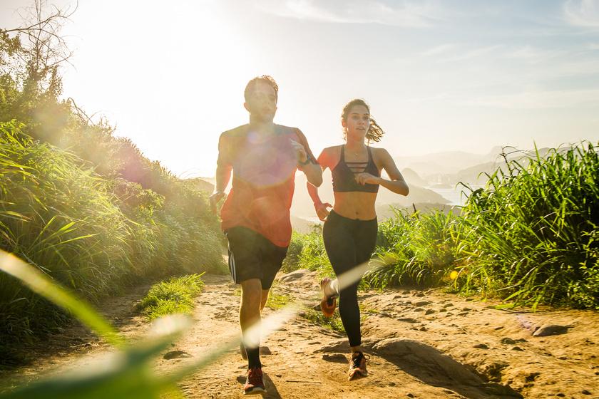 Nemcsak fogyaszt és formásít, de hormonális szinten is hat: a legjobb mozgásformák stressz és szorongás ellen