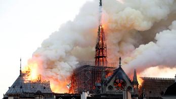 Nem értették a tűzjelzést a Notre-Dame-ban lévők, mert először hallották