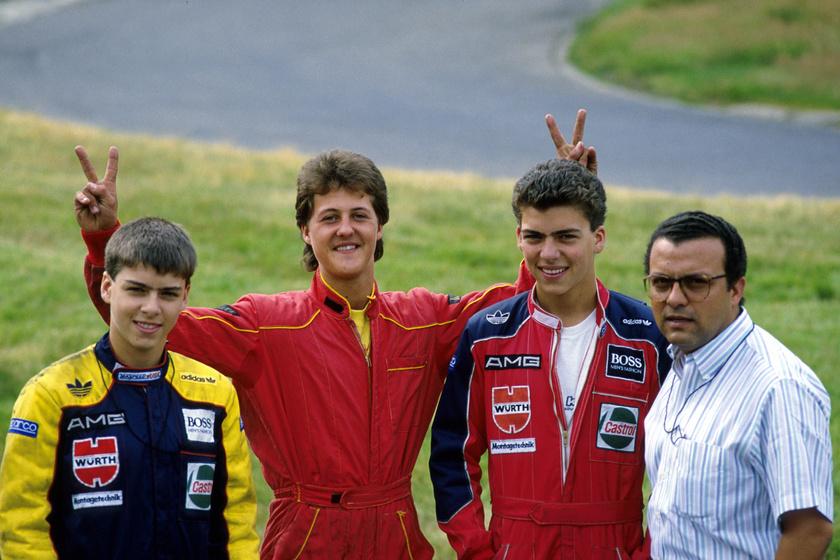 Schumacher vicces kedvében volt, amikor 1988-ban elkészítették róla és csapattársairól ezt a képet.