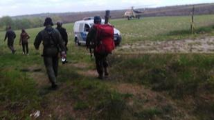 Hasba szúrta magát egy férfi Bakonyszentlászlón, berohant az erdőbe, helikopterrel találták meg