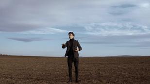Ifjabb Vidnyánszky Attila egy karmester a puszta közepén