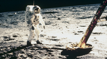 A Hold déli sarkán landol a következő expedíció